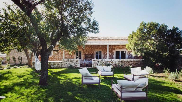 Villa Masseria D'Estia propone i nostri vini